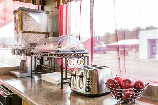 Econo Lodge Yreka: Breakfast