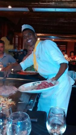 Iberostar Hacienda Dominicus: Miguel en plein travail au restaurant La geisha