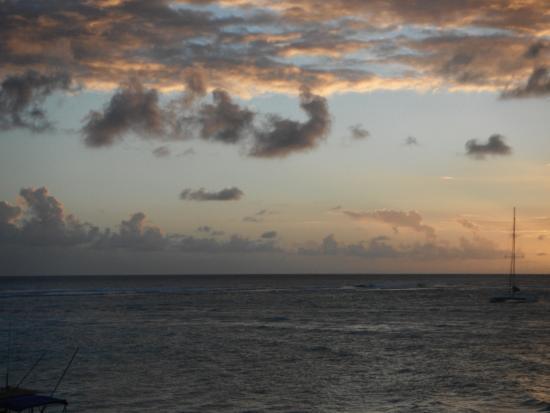 Worthing Beach: Sun-set