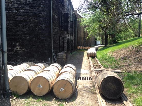 Versailles, KY: barrel transport to the rickhouses