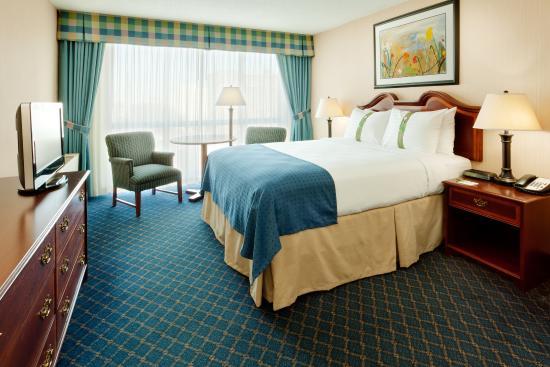 هوليداي إن بافالو - داونتاون: Queen Bed Guest Room