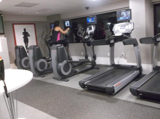 gym picture of new york laguardia airport marriott east elmhurst rh tripadvisor co nz