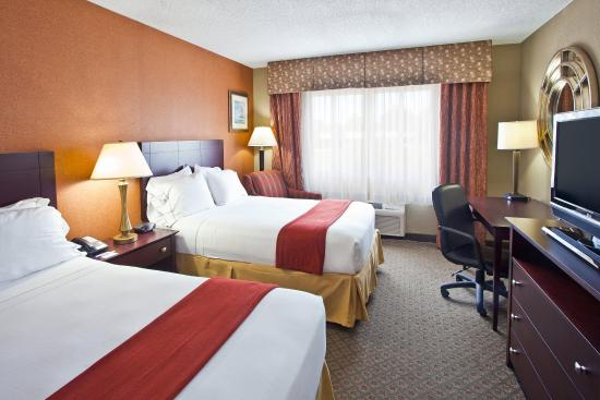 Holiday Inn Express Clearwater East - ICOT Center: Double Bed Guest Room