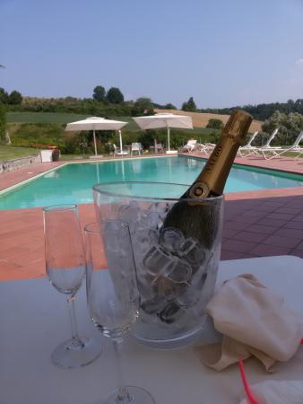 Vicchio, Italie : bordo piscina