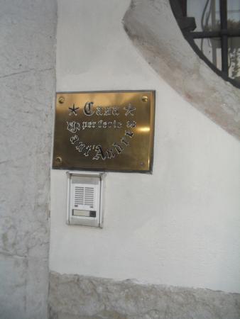 Casa Sant'Andrea: FACHADA