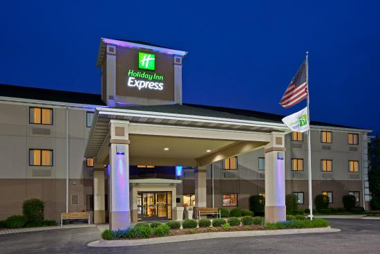 Photo of Holiday Inn Express Marshall