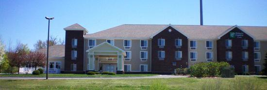 Holiday Inn Express Acme-Traverse City: Hotel Exterior