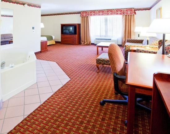 Hillsville, VA: Jacuzzi Suite