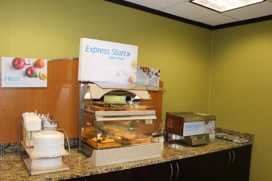 Forsyth, GA: Breakfast Bar
