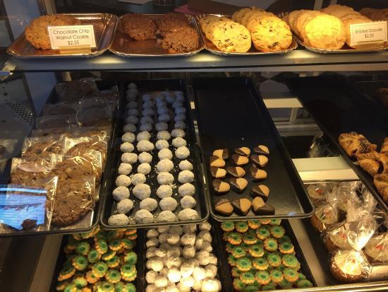 Daube's Cakes and Bakery: photo0.jpg