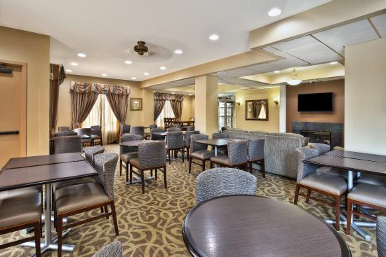 Harrington, DE: Enjoy your complimentary hot breakfast in our large breakfast area