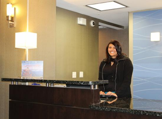 Holiday Inn Express Hotel & Suites Grand Junction: Front Desk