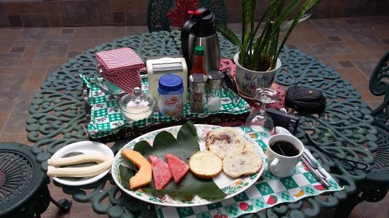 Hotel Oasis: Café da Manhã