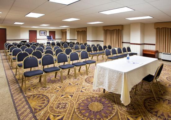 Holiday Inn Express Toledo-Oregon: Meeting Room- Theatre