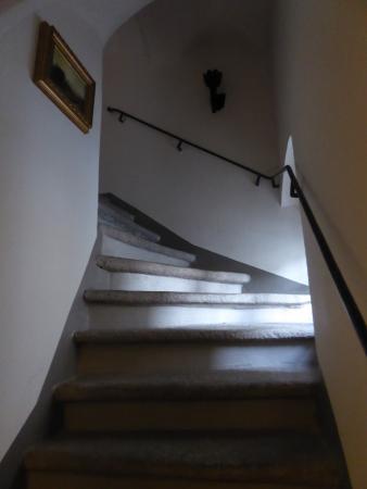 Schloss Schaenke Hotel: Лестница на второй этаж