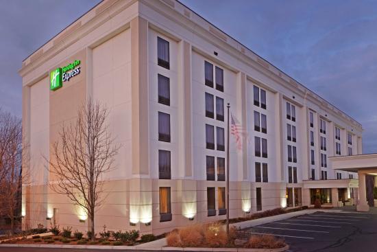 Лоренс, Массачусетс: Hotel Exterior