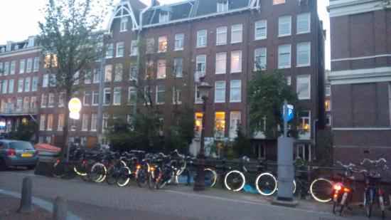 Shelter Jordan - Amsterdam Hostel: Arredores do hostel