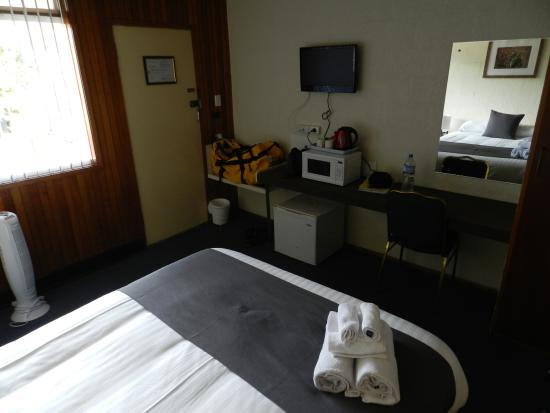Silver Hills Motel: view of room from next to bed to doorway