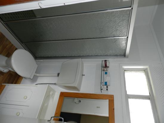Silver Hills Motel: bathroom