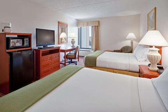 Holiday Inn Express Hotel & Suites Allentown - Dorney Park Area: 2 Queen Bed Guest Room