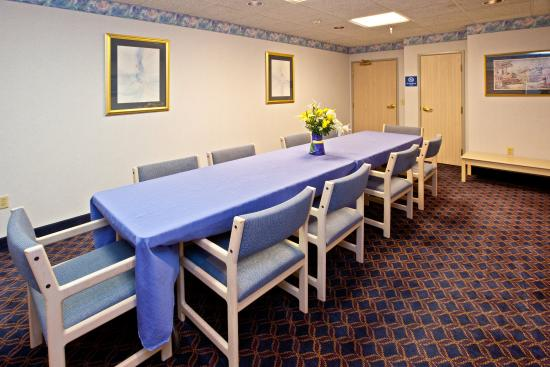 Holiday Inn Express Elkhart North - I-80/90 EX. 92: Meeting Room