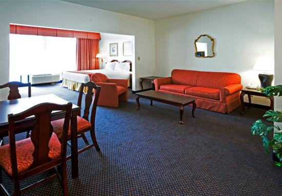 Hillsborough, NC: Suite