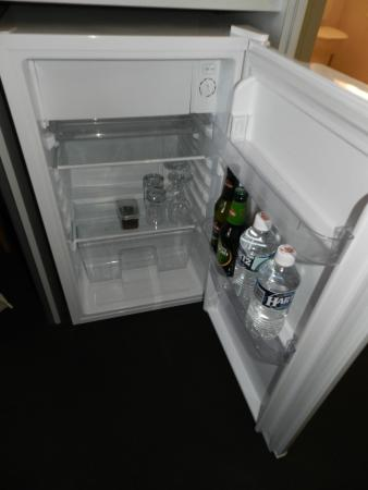 Wellers Inn: fridge & 'mini bar'