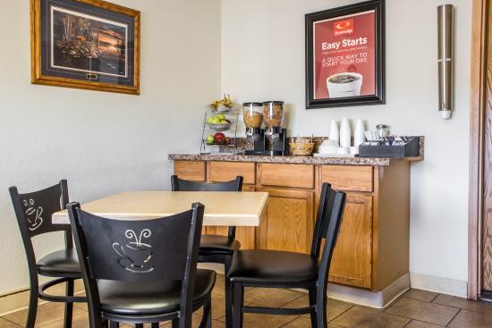 Merrill, WI: Breakfast Area