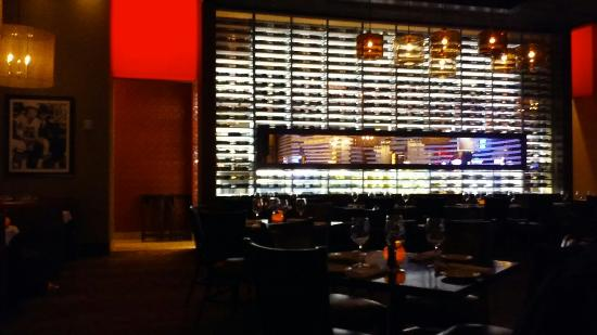 Restaurants near vee quiva casino