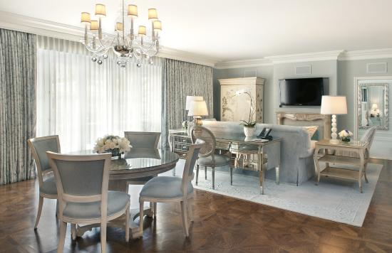 The Peninsula Beverly Hills: Grand Deluxe Suite - Living Room
