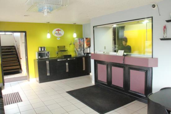 Tappahannock, VA: Lobby 1