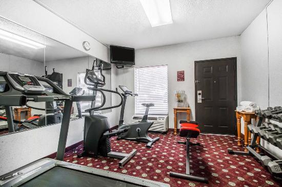 Quality Inn - US65 & East Battlefield Rd.: Fitness center