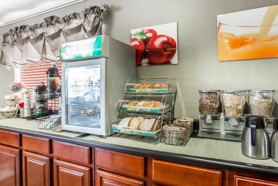 Quality Inn Marietta: Breakfast Area