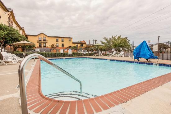 Quality Inn Marietta: Pool