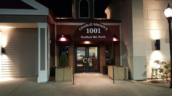Charlie Brown Restaurant Staten Island New York