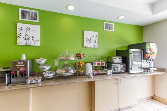 Sleep Inn and Suites Dothan: Breakfast