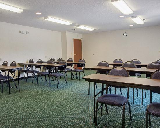 Acme, MI: Meeting Room
