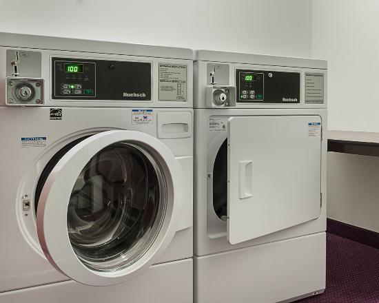 Acme, MI: Laundry