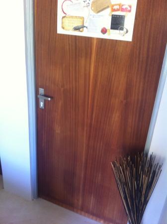 Gordon's Bay, Sydafrika: Where does this locked door lead?