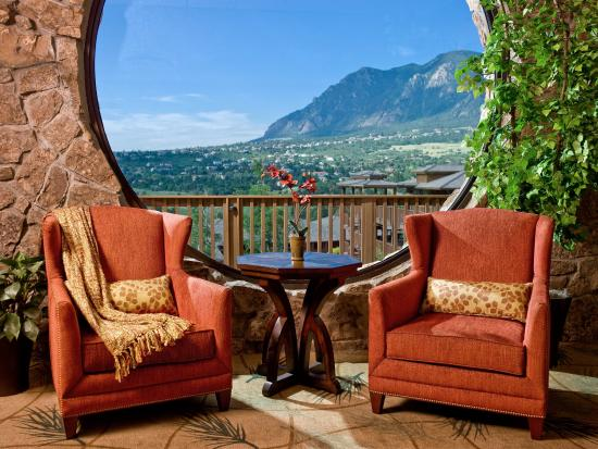 Cheyenne Mountain Resort: Circle Window
