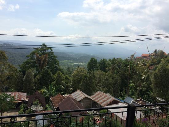 Aditya Homestay: veiw off northern balcony toward bali's north coast @ 30min away
