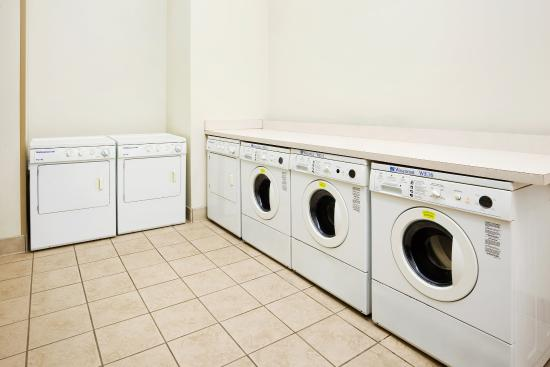 Staybridge Suites Chattanooga Downtown: Laundry Facility