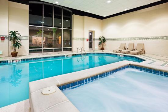 Staybridge Suites Chattanooga Downtown: Whirlpool