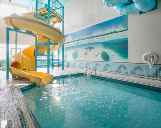 Indoor pool with waterslide  Indoor Pool With Waterslide | loopele.com