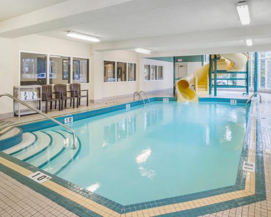 Indoor pool with water slide picture of comfort inn - University of alberta swimming pool ...