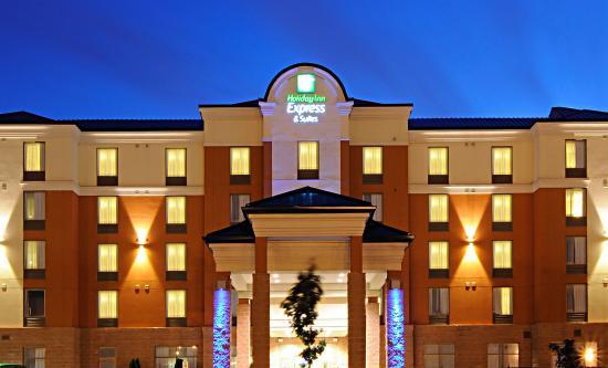 Holiday Inn Express Hotel & Suites Brampton: Hotel Exterior
