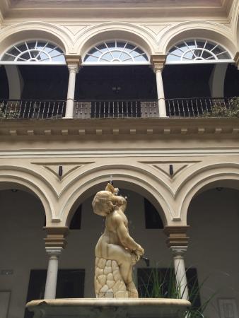 Hotel Palacio de Villapanes: Patio