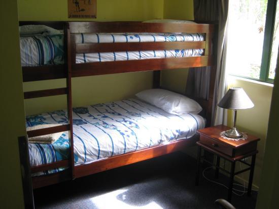 Karikari Peninsula, Neuseeland: The bunk room at Karikari Lodge.