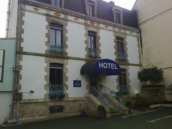 Chambre picture of hotel de la gare quimper tripadvisor for Hotels quimper