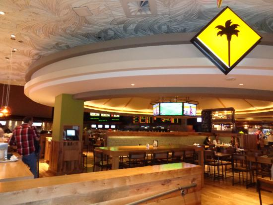 CPC inside - Picture of California Pizza Kitchen, Las Vegas ...